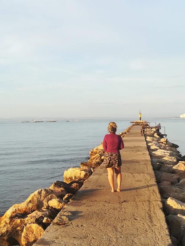 Port de Roses, vue de dos