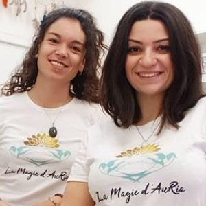 Audrey et Victoria les fondatrices de la Magie d'Auria - boutique holistique à Toulouse